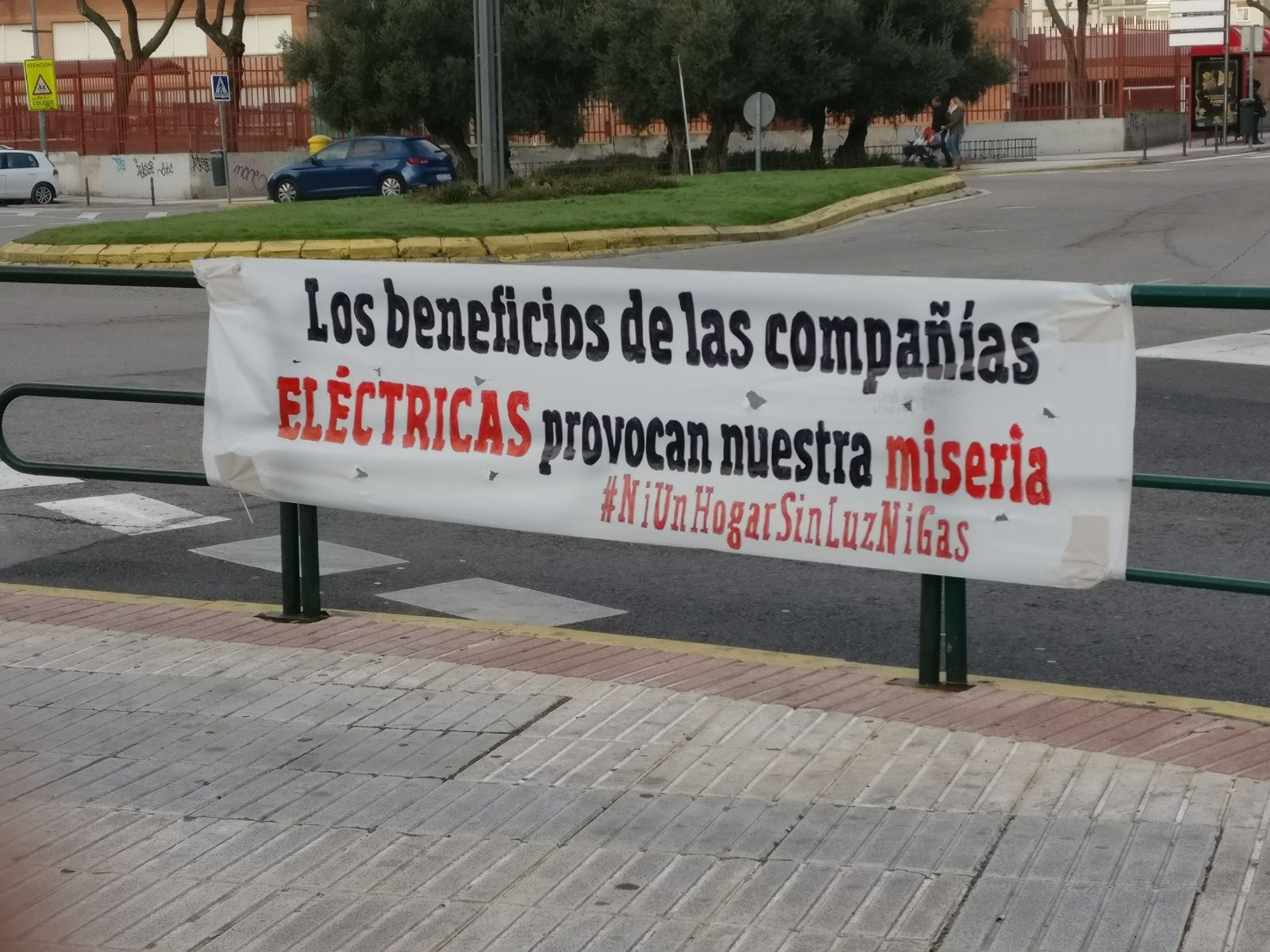 Pancarta manifestación pobreza energética Fuenlabrada